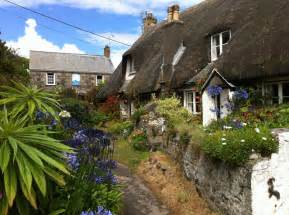 cadgwith cottages cornwall jigsaw puzzle in