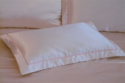How To Make Envelope Pillow Covers by How To Make Pillowcases Envelope Pillow Cover Pillow