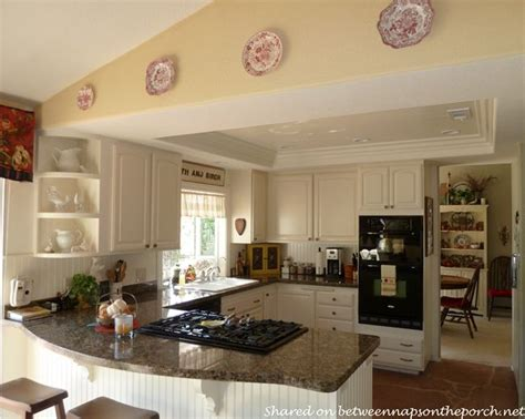 kitchen ideas for medium kitchens best 25 medium kitchen ideas on bar stools