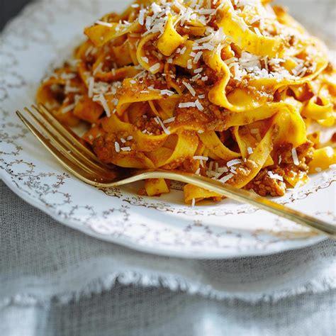 best bolognese sauce recipe bolognese sauce the best ricardo