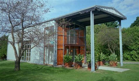 tips to buy shipping container houses