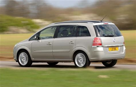 opel zafira 2005 vauxhall zafira b 2005 car review honest john
