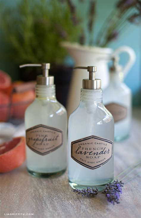 How Much Soap To Use In Shower by Here S How To Use Castile Soap To Clean Everything In Your House