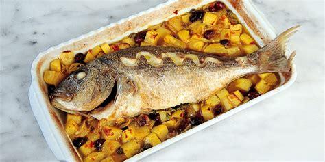 cucinare il dentice al forno ricetta dentice al forno con patate una bont 224 siciliana