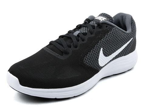 Sepatu Nike Revolution 3 sepatu running nike revolution 3 grey white black