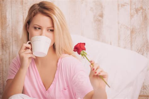 how to romance a woman in bed romance what it means for men women