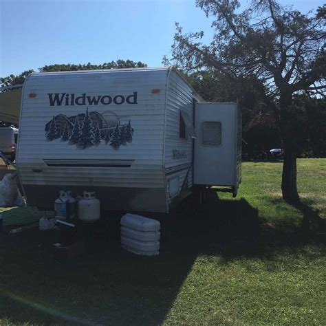 used 2006 wildwood 27bhssle travel trailer with bunks 2006 used forest river wildwood 27bhss travel trailer in