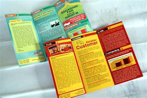 freelance layout majalah contoh desain flyer studio foto joy studio design