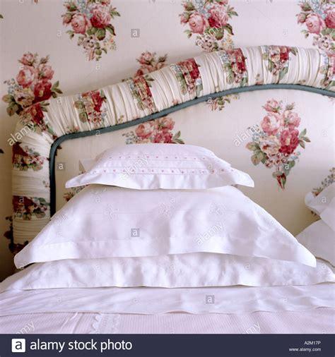 betthaupt kissen cotton stockfotos cotton bilder alamy