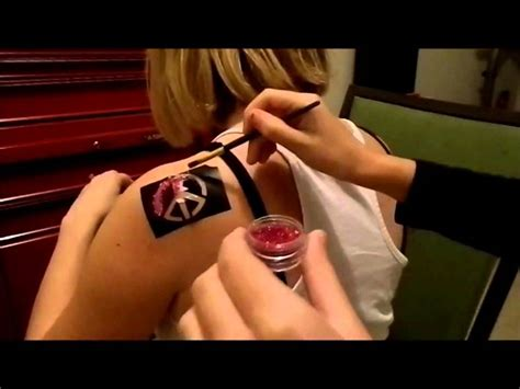 removing glitter tattoos how to use shimmer glitter tattoos remove tattoos