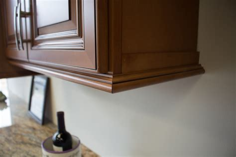 Kitchen Cabinet Light Rail Light Rail Molding Install House Exterior And Interior Light Rail Molding Kitchen Cabinet