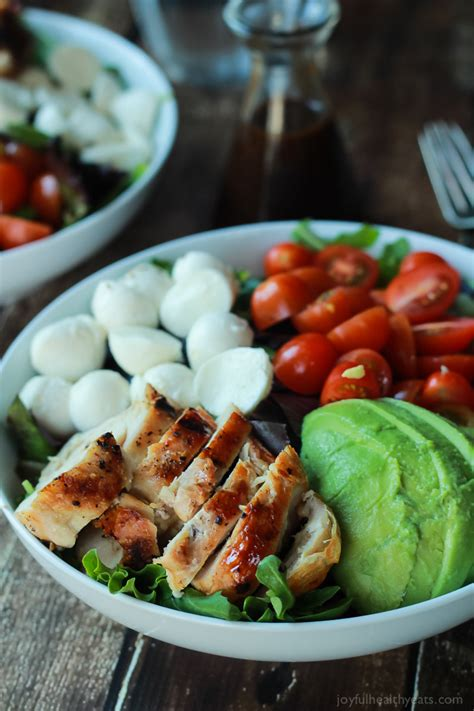 15 Minute Avocado Caprese Chicken Salad With Balsamic