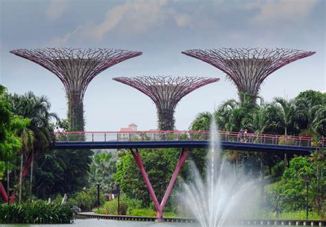 places  visit  singapore   days travel