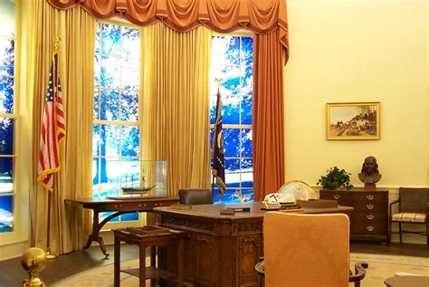 The Oval Office Desk Oval Office Desk Oval Office Desk Ideas Babytimeexpo Furniture