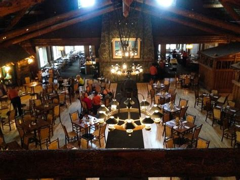 old faithful inn dining room menu dining room イエローストーン国立公園 old faithful inn restaurantの写真
