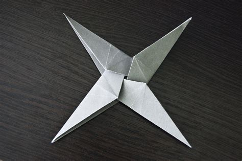 How To Make A Shuriken Out Of Paper - how to make a paper shuriken origami