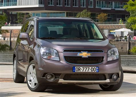 chevy jeep 2016 comparison chevrolet orlando 2 0 vcdi 163 ltz 2016 vs