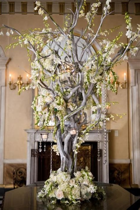 Ls With Crystals Hanging by 193 Best Manzanita Branches Wedding Flowers Images On