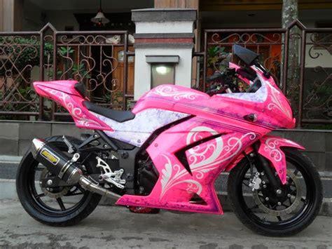 modifikasi motor vespa warna pink modifikasi superbike kawasaki 250