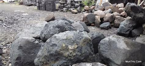 batu merapi bahan baku utama pembuatan kerajinan batu