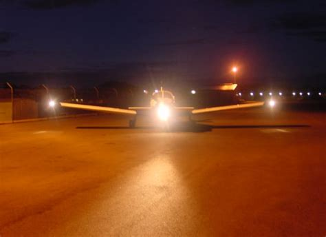 airplane landing lights aerospaceweb org ask us 400 hz electrical systems