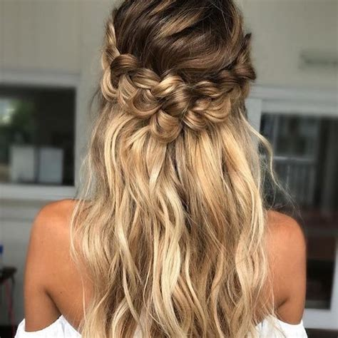 Wedding Hair With Dress by 73 Unique Wedding Hairstyles For Different Necklines 2017