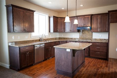 Contractor Kitchen Cabinets New Construction Cabinets And Kitchens Masters Touch Woodworking