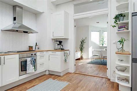 desain interior rumah cat putih  diterapkan
