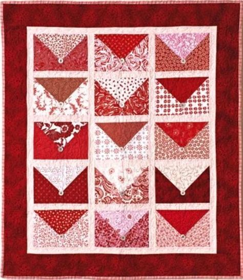 pattern for envelope quilt i love this red white envelope quilt the envelope flaps