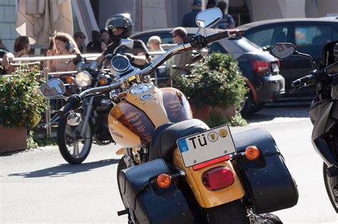 Kfz Kennzeichen Motorrad by Motorradkennzeichen Beantragen Markt De