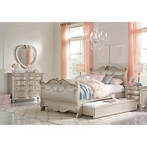disney bedroom set disney princess silver 5 pc full sleigh bedroom girls