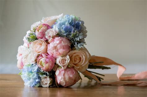 make your own serenity bridal bouquet with fabulous silk flowers a diy project by