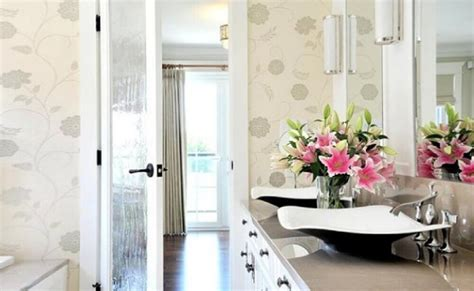 como decorar banheiro flores artificiais 24 arranjos de flores para decorar sua casa