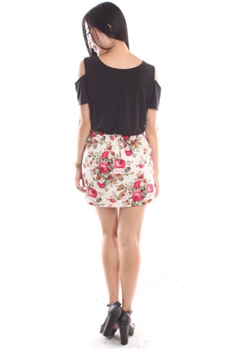 floral high waisted skirt