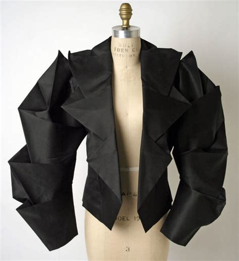Origami Fashion Designers - 427 best images about issey miyake pleats on