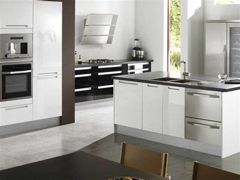 Modern Kitchen For Small House стиль хай тек в интерьере кухня спальня ванная и гостиная