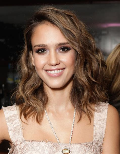 hair cuts for slightly wavy hair jessica alba hairstyles brown slightly wavy hairstyle