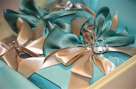 beautiful gifts wrapping tales from a hungry