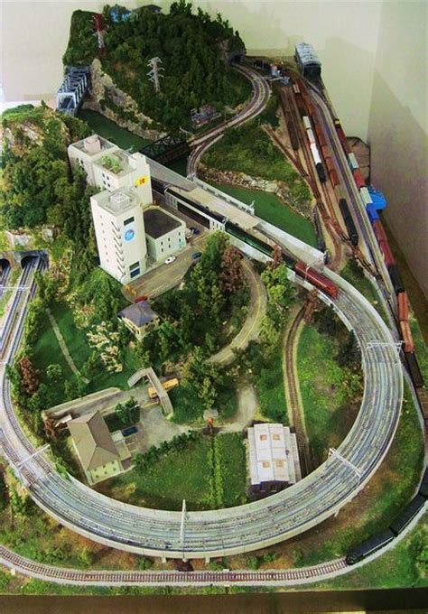 n scale layout video model train layouts n scale model train layouts model