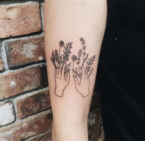 tattoo on hand flowers the 25 best ideas about minimalist tattoos on pinterest