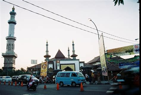 wallpaper alun alun bandung masjid at taqwa at alun alun kejaksan indonesia