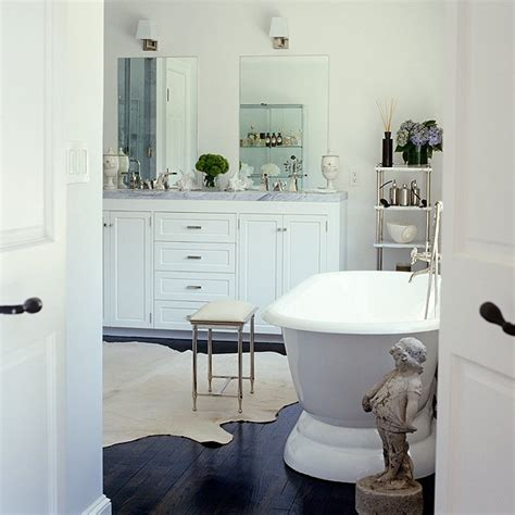 Images Of White Bathrooms by Decorating Ideas For White Bathrooms