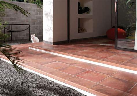 piastrelle in cotto per esterni prezzi piastrelle per esterni pavimenti per esterno tipologie
