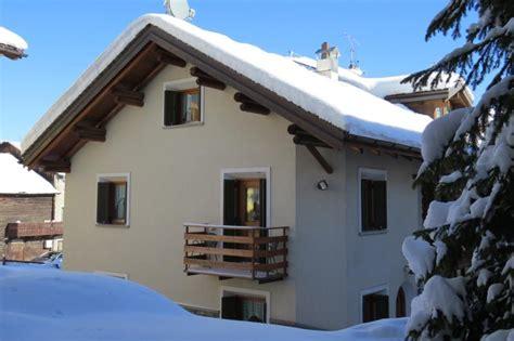 affitto appartamenti livigno chalet a livigno per le vacanze sulla neve chalet baitin