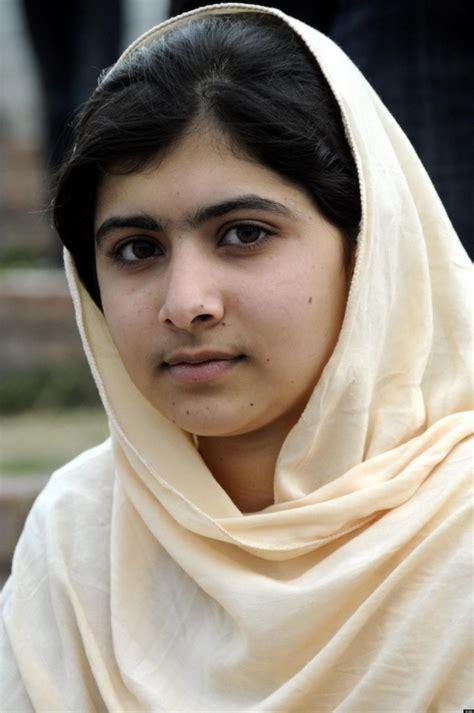 biography malala yousafzai malala yousafzai biography brave pakistani school girl