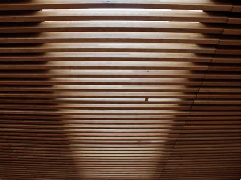 controsoffitto a doghe pannelli per controsoffitto in legno nodoo