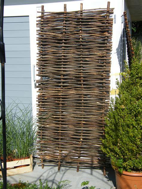 sichtschutz im garten 90 sichtschutz aus haselnuss in 180x90 cm www garten