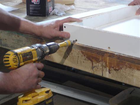 pour  simple concrete countertop  tos diy