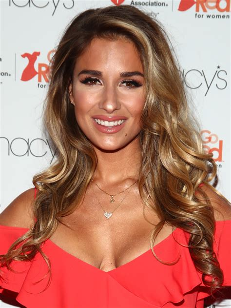 jesse james long hair jessie james decker long curls long curls lookbook