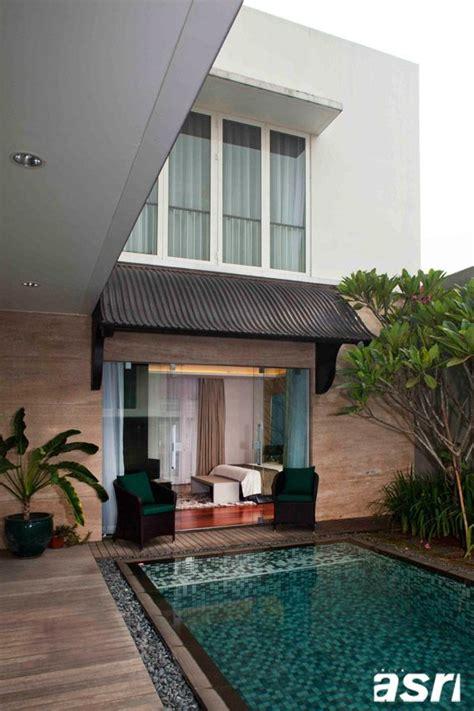 desain kamar outdoor bedroom overlooking pool kamar tidur utama diapit oleh